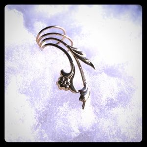 Jewelry - Gold plated ear cuff